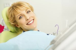 The Los Fresnos dentist maintains healthy and beautiful smiles.